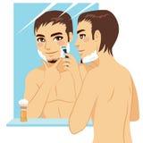 El afeitar hermoso del hombre Foto de archivo libre de regalías