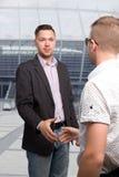 El agente del futbolista con el cliente Imágenes de archivo libres de regalías