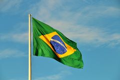 El agitar brasileño de la bandera Fotografía de archivo libre de regalías