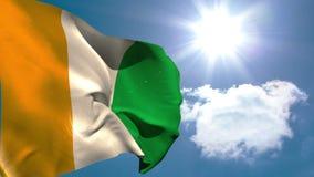 El agitar de la bandera nacional de Costa de Marfil ilustración del vector