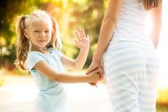 El agitar del niño foto de archivo libre de regalías