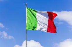 El agitar italiano de la bandera Imagenes de archivo