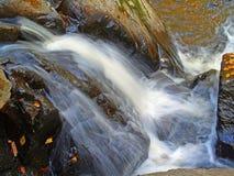 El agua cae #3 imagen de archivo