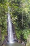 El agua cae en Sao Tome fotos de archivo