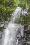 El agua cae en Sao Tome fotografía de archivo libre de regalías