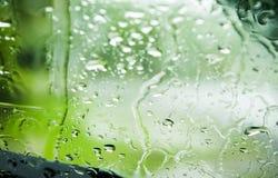 El agua de la naturaleza cae las lluvias Fotografía de archivo