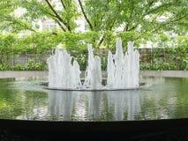 El agua en el estacionamiento del hotel Fotos de archivo