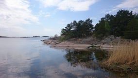El agua inmóvil del mar Báltico imagen de archivo libre de regalías