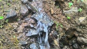 El agua ondula transparente en la roca 3 fotos de archivo libres de regalías