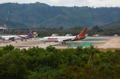 El aire de Boeing 737 Malindo llega el aeropuerto foto de archivo