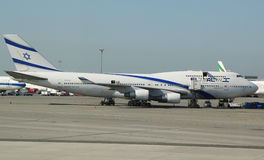 EL Al Boeing 747 en John F Kennedy Airport à New York Photographie stock