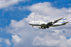 An El Al Israel Airlines Boeing 747 approaching to Airport Royalty Free Stock Photography