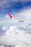 El ala del aeroplano de la opinión del aeroplano de la ventana Foto de archivo
