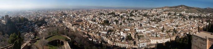El Albayzin区全景在格拉纳达,安大路西亚,西班牙 免版税图库摄影