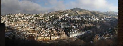 El Albayzin区全景在格拉纳达,安大路西亚,西班牙 图库摄影