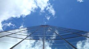 El alcanzar al cielo fotografía de archivo