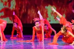 El alcohol de la exposición de enseñanza de clasificación Jiangxi del logro de los niños de la prueba de la academia de la danza  fotos de archivo libres de regalías