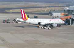 El alemán se va volando Airbus A319 Imágenes de archivo libres de regalías