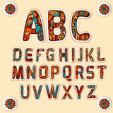 El alfabeto de Zentangle coloreó etiquetas engomadas de las letras fijadas Imágenes de archivo libres de regalías