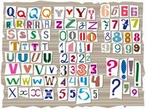 El alfabeto latino, compuesto de las letras de diversos tamaños y formas, se compone en el estilo de las inscripciones del detect libre illustration