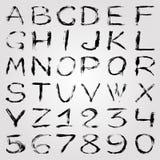 El alfabeto y los números monocromáticos de la pintada en un fondo ligero vector el ejemplo libre illustration