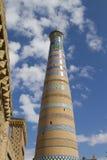El alminar más alto en Khiva - Islam Khoja imagen de archivo libre de regalías