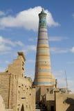 El alminar más alto en Khiva - Islam Khoja fotografía de archivo