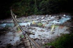 El alto puente al bazar de Namche imagen de archivo libre de regalías