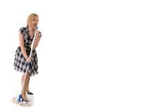 El ama de casa linda canta a la maneta de la escoba Fotografía de archivo libre de regalías