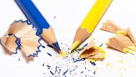 El amarillo y se corrige en el fondo blanco 1 Imágenes de archivo libres de regalías