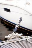 El amarrar en un puerto deportivo Fotos de archivo