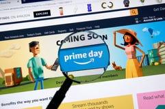 El Amazonas prepara la página del día en el sitio del Amazonas del funcionario Imágenes de archivo libres de regalías