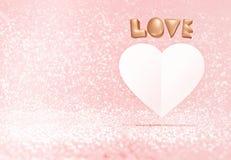 El amor de Rose Gold 3d y el corazón del Libro Blanco forman la flotación en pastel Fotografía de archivo