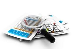 El analizar del informe de negocios Imagen de archivo libre de regalías