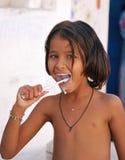 El aplicar con brocha de dientes. La India Fotografía de archivo libre de regalías