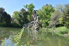 El ` Appennino del Giambologna 1580, escultura del dell de Colosso situada en Florencia en el parque público de chalet Demidoff foto de archivo libre de regalías