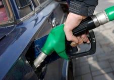 El aprovisionar de combustible Fotos de archivo