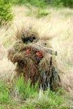 El apuntar del soldado del francotirador Imagen de archivo libre de regalías