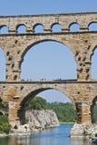 El Aquaduct - el Pont romanos du Gard imágenes de archivo libres de regalías