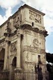 El arco de Constantina cerca de Colosseum, Roma Fotografía de archivo