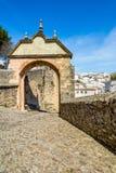 El arco de Philip V en Ronda, España imagen de archivo