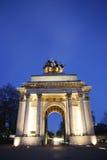 El arco de Wellington en la noche Imagen de archivo