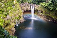 El arco iris cae Hawaii Foto de archivo