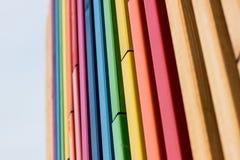 El arco iris colorea el detalle arquitectónico Foto de archivo