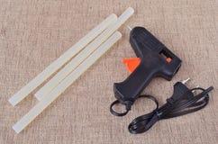 El arma de pegamento para el arte y las barras Fotos de archivo libres de regalías