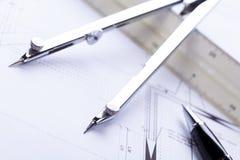 El arquitecto blueprints el lugar de trabajo de los objetos del equipo fotos de archivo libres de regalías