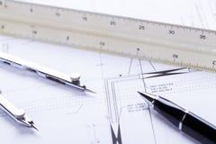 El arquitecto blueprints el lugar de trabajo de los objetos del equipo imágenes de archivo libres de regalías