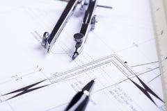 El arquitecto blueprints el lugar de trabajo de los objetos del equipo fotos de archivo