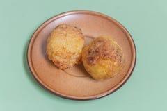 El arroz pegajoso asado a la parrilla hecho en bolas sumerge para egg Foto de archivo libre de regalías