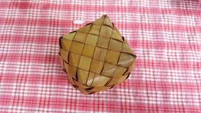 el arroz pegajoso de la caja tailandesa guarda su ricewarm Fotografía de archivo libre de regalías